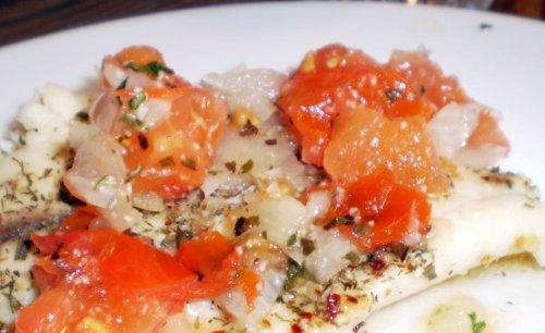 Bacalao con tomate en microondas
