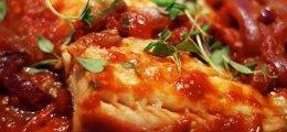 Bacalao con tomate y pimientos